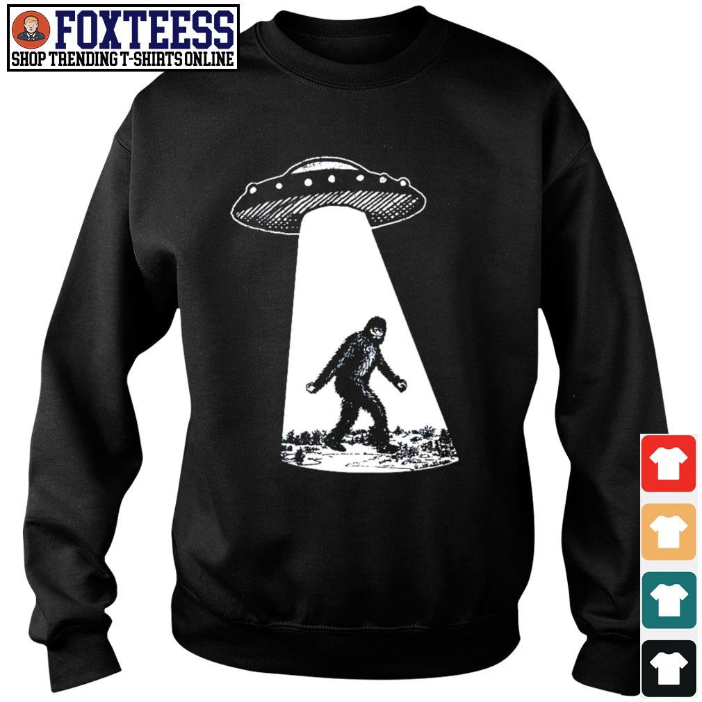 Alien UFO I found bigfoot s sweater