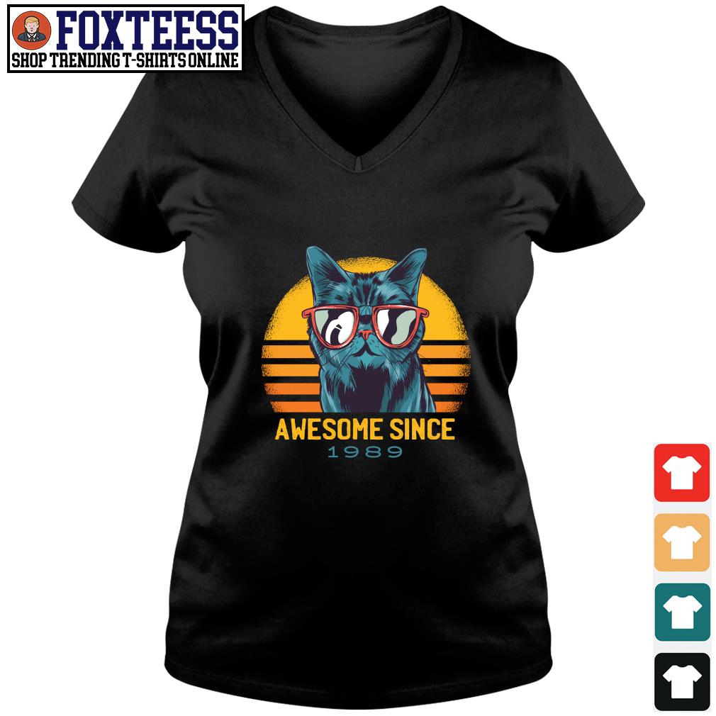 Cat awesome since 1989 vintage s v-neck t-shirt